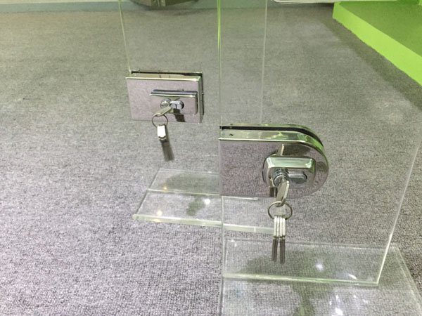 cylinders China Aluminium sliding trak SAHARA Glass HARDWARE commercial glass door locks